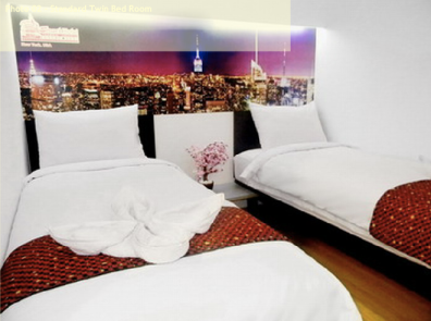 Twin room at Smart Hotel