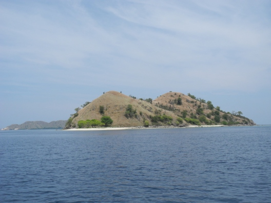 Pulau-pulau Gersang khas Indonesia Timur