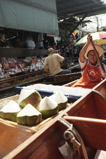 Damnoen Saduak Floating Market