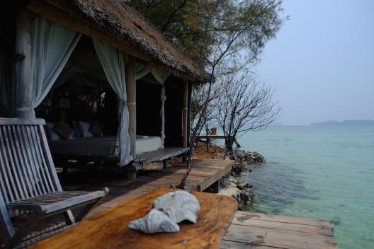Penginapan Pulau Macan