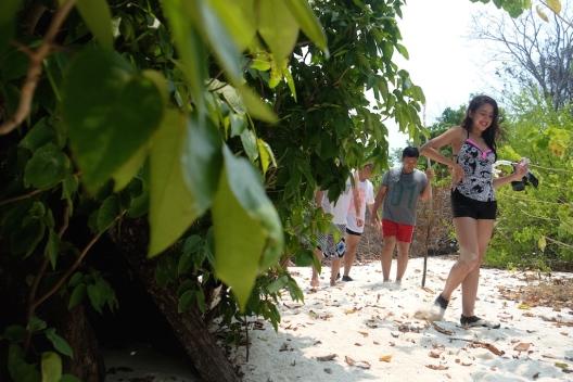 Trekking di Pulau Macan Gundul