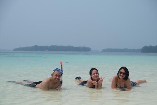 Berjemur di gusung Pulau Macan