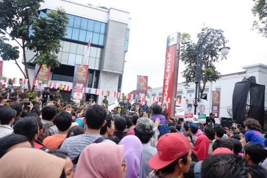 Band TNI