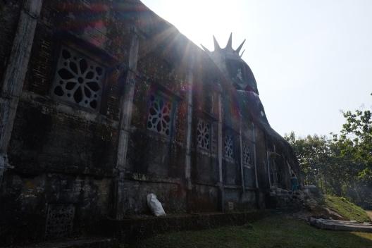 Gereja ayam yang misterius