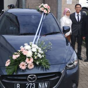 Mazda 2 as wedding car