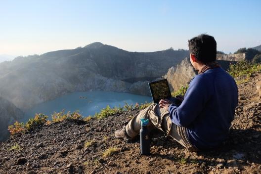 Blogging at Kelimutu