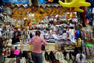 Penjual Suvenir di Market City, Sydney, Australia
