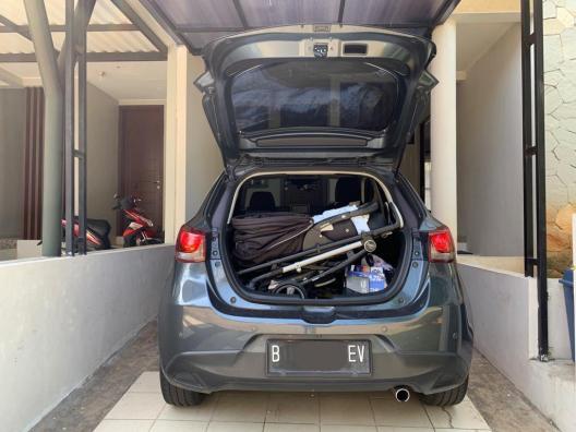 Mazda 2 bagasi