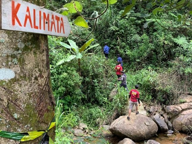 Road to Curug Kalimata